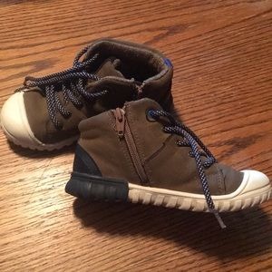 Cat and Jack High Top Boots size 11